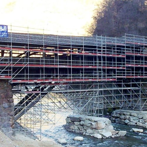 14 Ponteggio sospeso Ponte Toerggele Chiusa BZ 1 500x500 - Referenzen