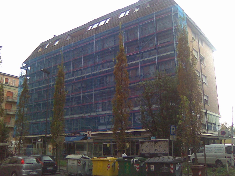 16 Ponteggio per ristrutturazione condominio Padova - Ponteggio per ristrutturazione condominio
