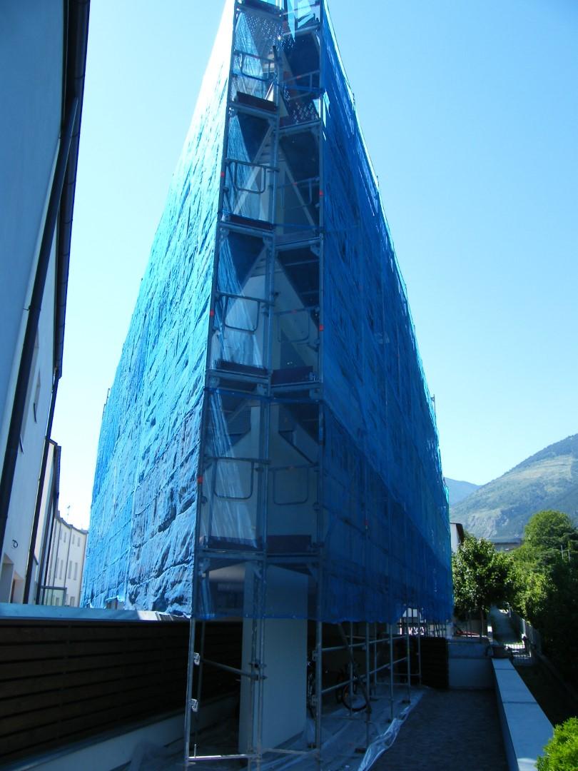 17 Ponteggio per risanamento condominio Silandro - Ponteggio per risanamento condominio
