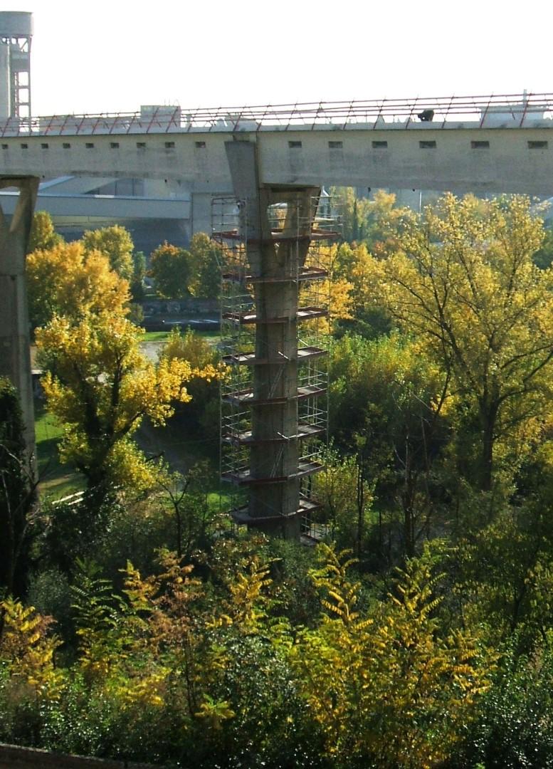 3 ponteggio per piloni e viadotti - Ponteggi per edilizia e infrastrutture