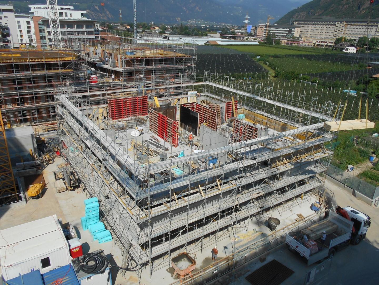 4 Ponteggi per costruzione a piani Bz - Ponteggi per edilizia e infrastrutture