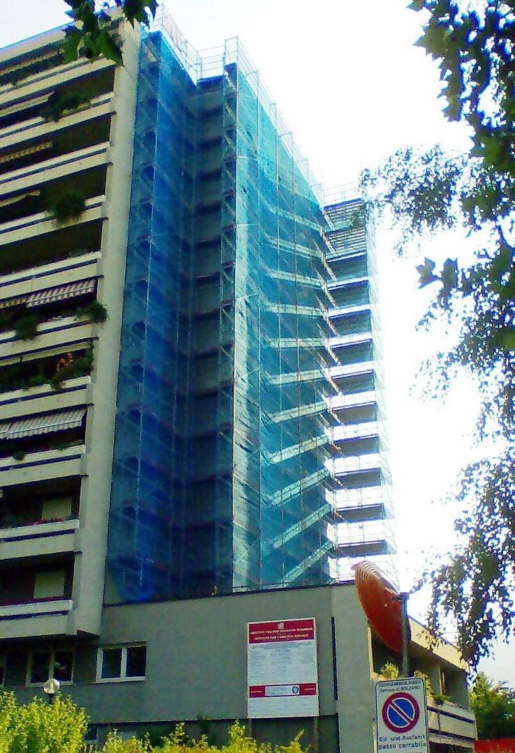 6 Ponteggi per risanamento condominio Bz - Ponteggi per risanamento condominio